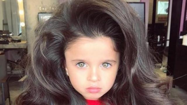5 ਸਾਲਾਂ ਦੀ ਕੁੜੀ ਦੇ ਵਾਲਾਂ ਨੇ ਬਣਾਇਆ ਪੂਰਾ Instagram ਦੀਵਾਨਾ
