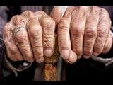 ਸ਼ਰਮਨਾਕ : ਬਜ਼ੁਰਗ ਦਾ ਮੂੰਹ ਕਾਲਾ ਕਰਕੇ ਜੁੱਤਿਆਂ ਦਾ ਹਾਰ ਪਾ ਕੇ ਪਿੰਡ 'ਚ ਘੁੰਮਾਇਆ