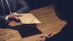 ਐਕਸਾਈਜ਼ ਕਮਿਸ਼ਨਰ ਤੇ CA 2 ਲੱਖ ਦੀ ਰਿਸ਼ਵਤ ਲੈਂਦੇ ਰੰਗੇ ਹੱਥੀਂ ਕਾਬੂ