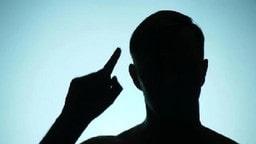 ਅਦਾਲਤ 'ਚ ਸਜ਼ਾ ਸੁਣਦਿਆਂ ਹੀ ਬਲਾਤਕਾਰ ਦੇ ਦੋਸ਼ੀ ਨੇ ਵੱਢੀ ਆਪਣੀ ਗਰਦਨ
