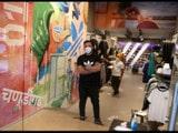 ਚੰਡੀਗੜ੍ਹ ਦੇ ਸੈਕਟਰ–17 ਦਾ ਬਾਜ਼ਾਰ ਕੋਰੋਨਾ ਸਾਵਧਾਨੀਆਂ ਨਾਲ ਖੁੱਲ੍ਹਾ ਹੈ। ਤਸਵੀਰ: ਸੰਜੀਵ ਸ਼ਰਮਾ, ਹਿੰਦੁਸਤਾਨ ਟਾਈਮਜ਼